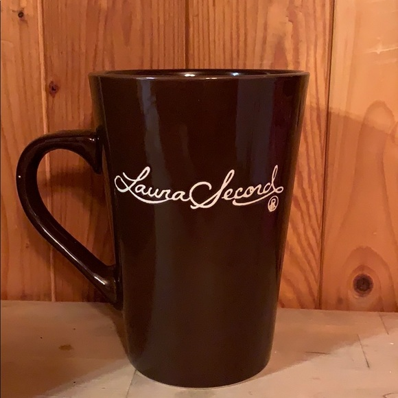 NWOT Tall 15 oz. Brown Mug, Laura Secord